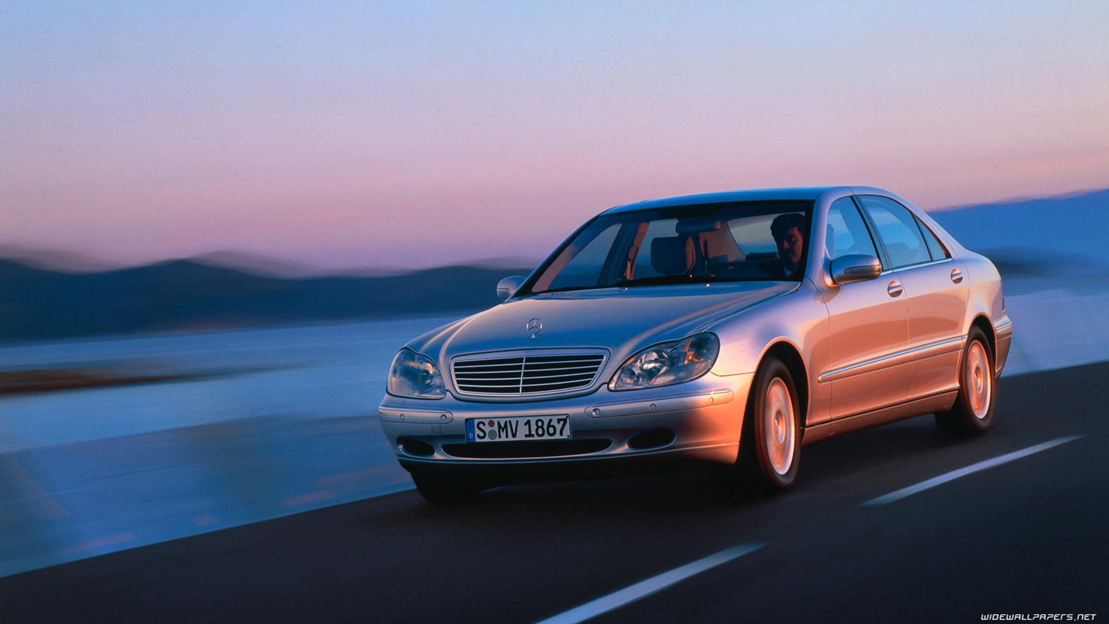 Luxury sedans cars desktop wallpapers hd and wide wallpapers for Mercedes benz s class 1998