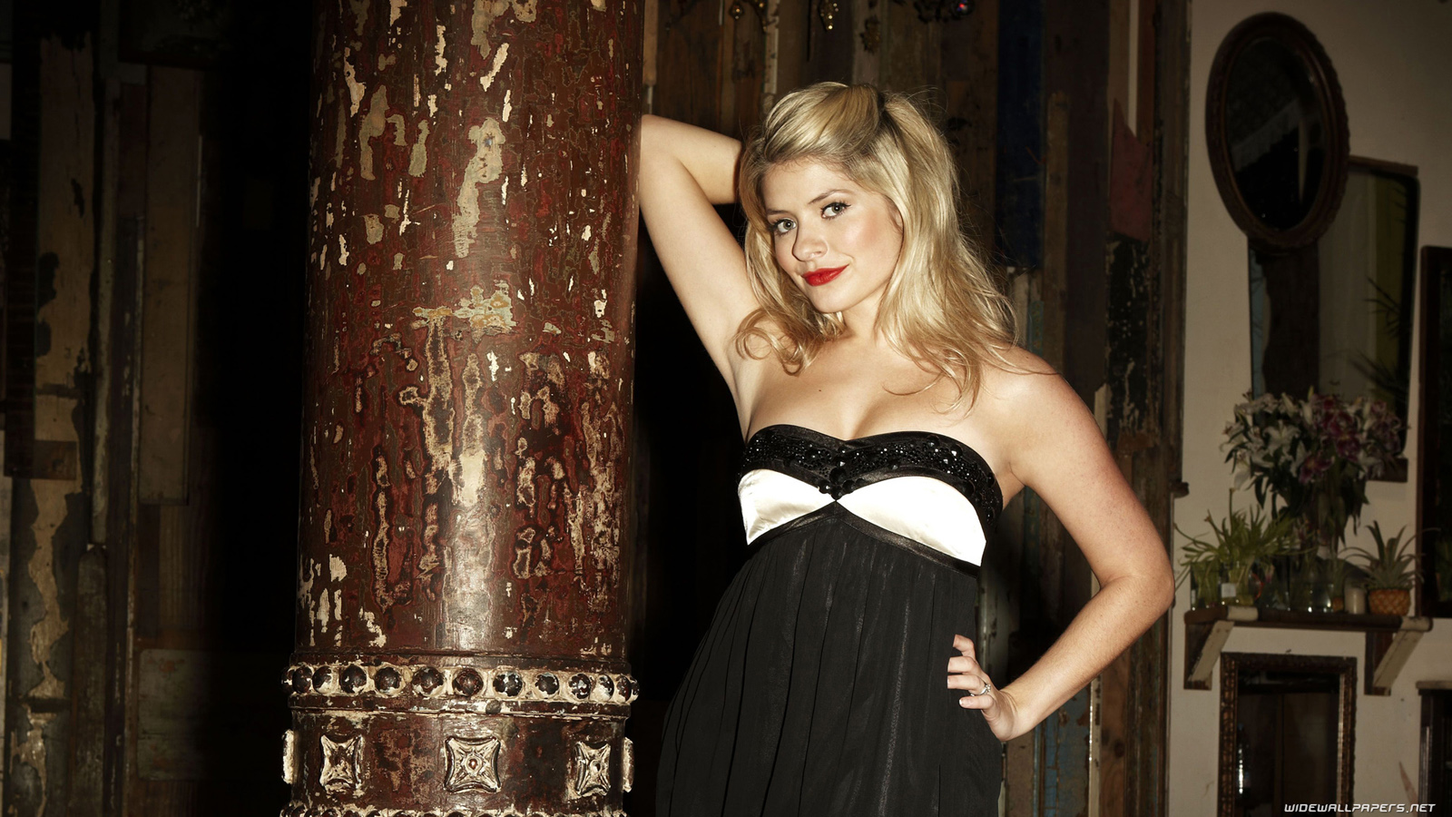 holly willoughby wallpaper 9510 - photo #3