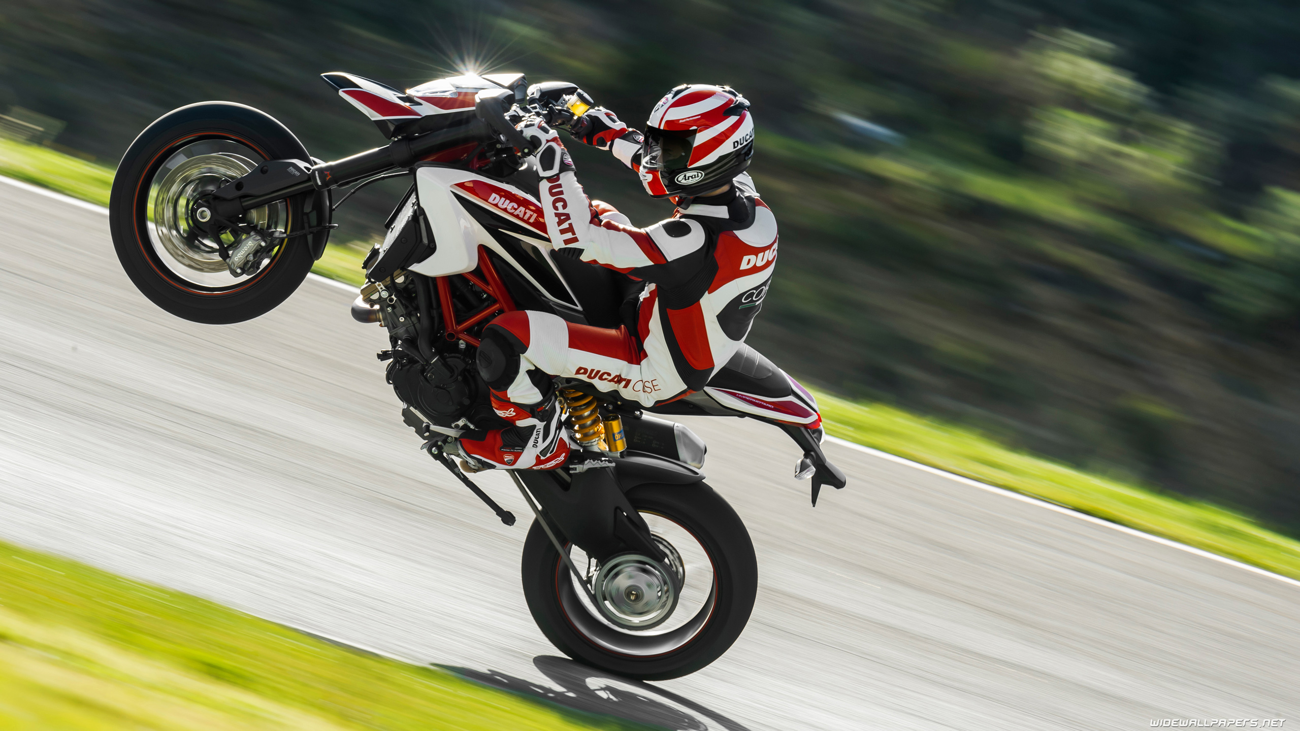 Ducati Hypermotard wallpapers and high resolution pictures